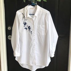 Button down ladies white tunic blouse. Size XLP